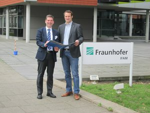Fraunhofer IFAM Contract Signing